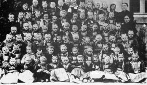 trente enfants dont certains de différents niveaux
