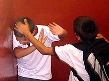Bullying_on_Instituto_Regional_Federico_Errázuriz_(IRFE)_in_March_5,_2007 harcelement https://l-ecole-a-la-maison.com